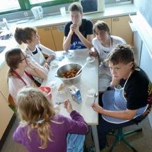 13.07.2017: Gemeinsames Essen mit Schülerinnen und Schülern der Jagsttalschule