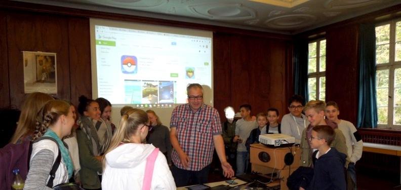 """""""Was Deine Taschenlampen-App alles ausleuchtet..."""" — Medienreferent Uli Sailer zu Gast am SG vom 12.-14.10.2016"""