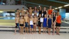 04.12.2017: Die Schwimmerinnen des SG freuen sich über den 1. Platz beim Kreisfinale in Gmünd, die Schwimmer über den 2. Platz