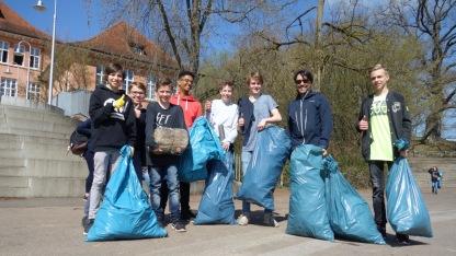 11.04.2018: Preisverdächtig — die Müllsammler aus Klasse 9