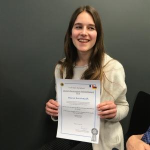 14.04.2018: Maria Reichmuth freut sich über die Qualifikation für das Finale des deutsch-französischen Redewettbewerbs